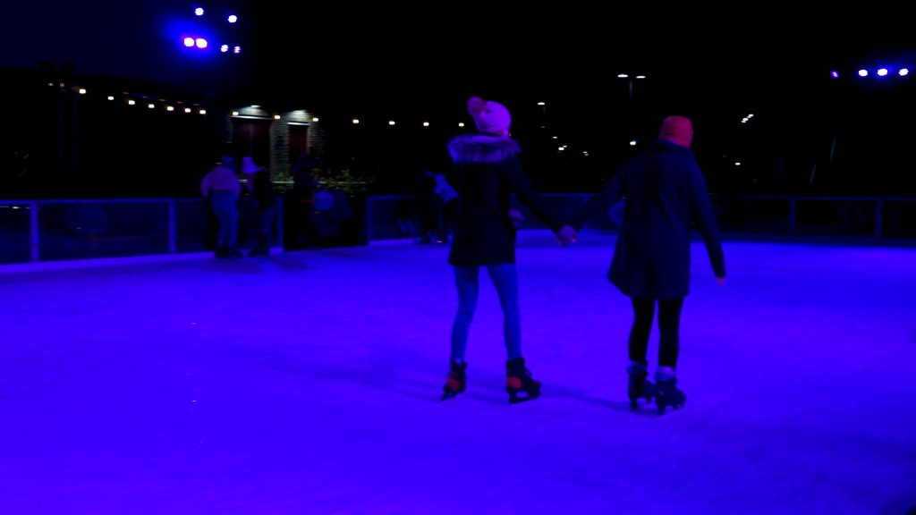 Paristown Fete De Noel two people skating